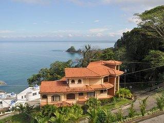 Luxury 2 Level House Infinity Pool 5-min walk Playa Blanca #1 Beach Costa Rica