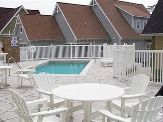 Lazy Days: 2 BR GH Cottages Condo w/ New Furnishings & Heated Pool (Sleeps 6)
