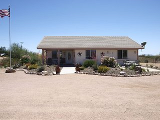 Tranquil cozy 3bd home located in the shadow of the superstition mountains.