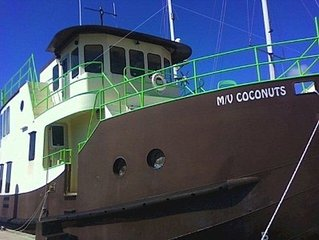 Houseboat Trawler MV Coconuts: Once in a Lifetime Vacation With Pool Access