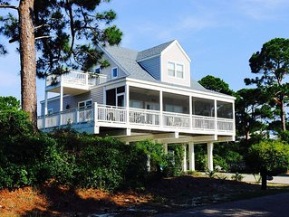 Relaxing and family-friendly, 'Kind of Blue' 3BR/2BA Gulf View House