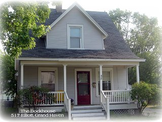 Charming 4 Bedroom Cottage Walking Distance To Downtown