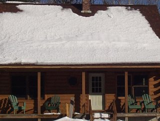 Family And Pet Friendly Log Home Located 15 minutes From Sunday River