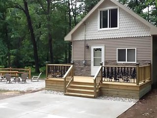 AWESOME CABIN CLOSE TO BEACHES, CASINO, CANOEING, AND HIKING!!