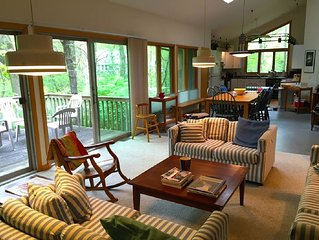 Summer dates open! 5 BR/walkway to private Lake Michigan Beach