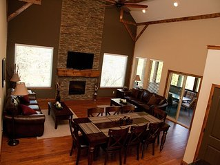 Branson Canyon Trailside Lodge, 5 star rated, Theater Room, 8 Smart TVs