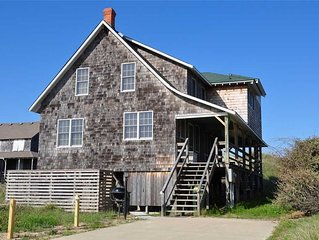 Fourth Estate Cottage: 5 BR / 3 BA house in Nags Head, Sleeps 10