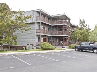 Bayside Condo in N. OC - Pool, Walk 2 Beach & Gr8 Dining