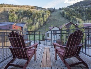 Slopeside views off the front porch. Ski in/out, private hot tub: Cimarron Peaks