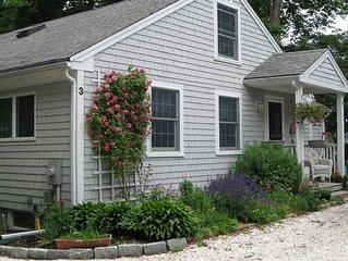 Charming 2br Cottage In Heart Of Historic Village - Walk To Beach & Restaurants