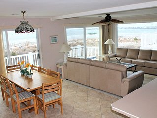 Clean & Comfortable BEACHFRONT w/Sweeping Townsend Inlet & Avalon Skyline Views!