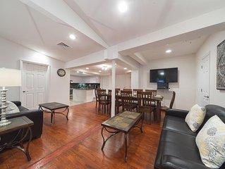 5 Bedroom 3 Bathroom Residence - 2,500 Square Ft. Sleeps 12