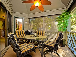 Lovely 1 Bedroom Tennis Club Villa with Screened Porch