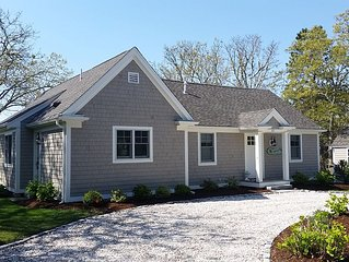 Views of  Nantucket  Sound and Walk to 2 Beaches from Charming Cape Cod Cottage.