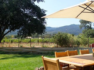 Beautiful Farmhouse in the Heart of Napa Valley. Pool and Hot Tub