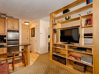 Heart of Aspen Studio, Sleeps up to 4 guests. Walking distance to the slopes