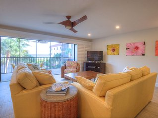 Shorewood C2: Perfectly Updated 3 BR Condo in Quiet Complex with Gulf Views!!