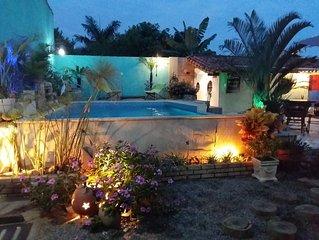 Casa de praia em ponto privilegiado, entre as praias de Manguinhos e Geriba
