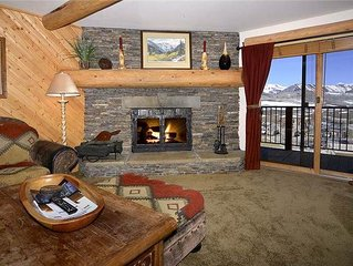 Large Slopeside Condo W/ Extensice Remodel, Mountain Views, Fireplace, Sauna