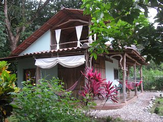 Charming, peaceful bungalow in the beach side village of Cabuya