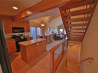 Waterside West F4: 2.5 BR / 3 BA wp condo in FRASER, Sleeps 7