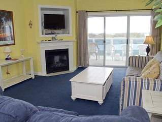 Gr8 Location, Gr8 Value! Bayfront w/ Pool - EZ Walk to Beach/Dining & Golf!