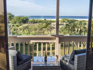 Spectacular view! Beachfront Penthouse Condo - 3 Bedroom - SPECIAL OFFER!!