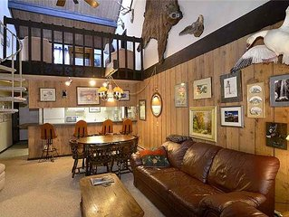 Ski-In/Out Condo with Mountain Views, Balcony, Sauna, Fireplace, End Unit