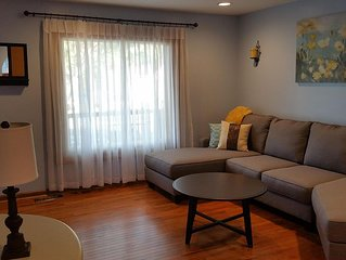 Large Six Bedroom Home Plus Separate Guest Quarters (large seventh bedroom)!