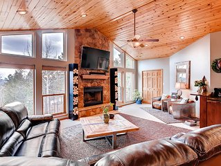 The Peach- Luxury Home in Idyllic Setting Bordering National Forest! Amazing!