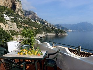 Lovely Apartment With Amazing Sea View, 100 Meters From The Beach, Near Amalfi