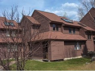 Comfortable quiet 3BR/2BA next to National Forest, on ski shuttle bus route