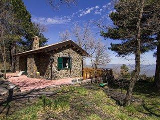 Tra Etna eTaormina accogliente baita immersa nel verde,ideale per famiglia,relax