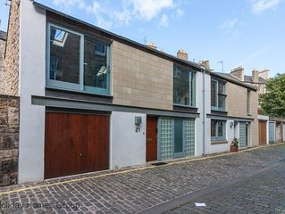 Mews House in Edinburgh  Sleeps 9 in 3 Bedrooms with Garage, Free Wifi. Patio.