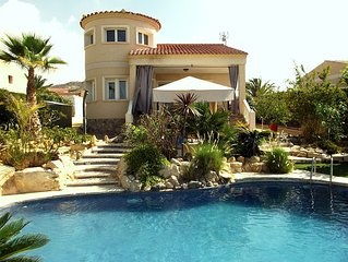 Lovely Modern 4 Bed Villa with Private Pool in Busot, Nr El Campello , Alicante