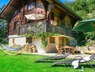Idyllic mountain views, peaceful, wood-fired hot tub, tree house = Alpine bliss!
