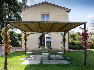 Converted Granary Barn On A Wine Farm with Private Pool, Near Lake Trasimeno