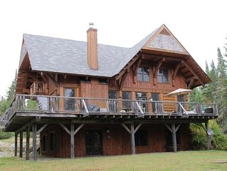 Gorgeous And Spacious 5 Bedroom, 3 Storey Log Chalet In Mont Tremblant Region