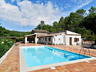 Villa spacieuse - isolee sur 3ha de terrain - Piscine