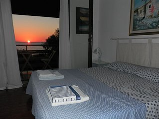 Independent one bedroom apartment with direct access to the southern coast of S