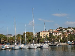 LIVE LIKE A LOCAL IN LA SPEZIA