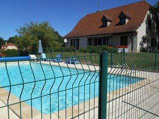 Comfortable villa near Alvignac with private swimming pool and stunning view
