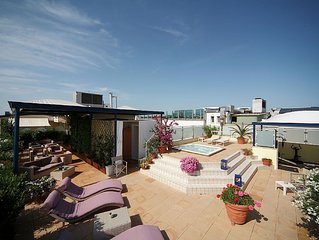 Residence in a pedestrian zone, near the sea and the centre of Cattolica.
