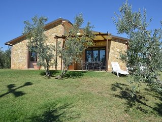 House of 100 square meters, stone, 6 beds, garden, wonderful sea view