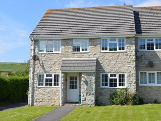 A bright cosy 1st floor flat in West Lulworth just 15 mins walk to Lulworth Cove