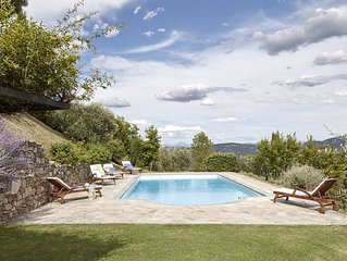 Beautiful villa with spectacular views in a rural location