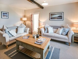 ST AIDAN'S LODGE - quaint coastal cottage, Sleeps 4, wifi, stunning beaches