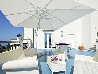 4 BEDROOMS VILLA WITH PANORAMIC TERRACE 10 MINS FROM AMALFI