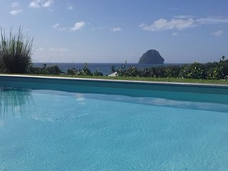 swimming pool, 100 m from the beach, sea, relaxation and standing facing Diamon