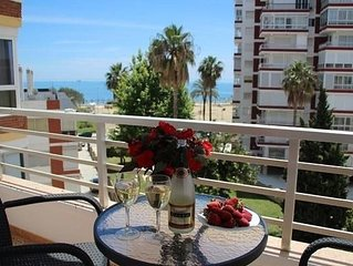 Lovely apartment with sea views from the terrace, pool, wifi and close to the b